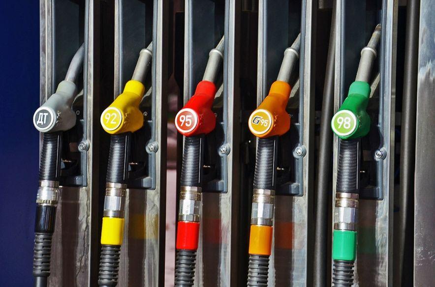 92 бензин Лукойл (Lukoil) цена за 1 литр на сегодня